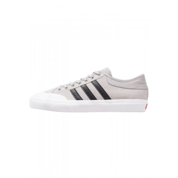 Damen / Herren Adidas Originals MATCHCOURT - Train...