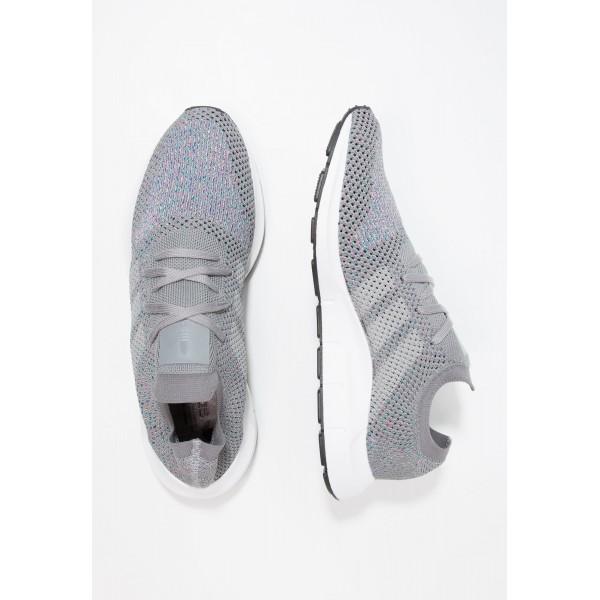 Damen / Herren Adidas Originals SWIFT RUN PK - Laufschuhe Low - Mittelgrau/Wolf Grau/Grey Two/Weiß